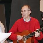Gabriel canta en recuerdo de las víctimas