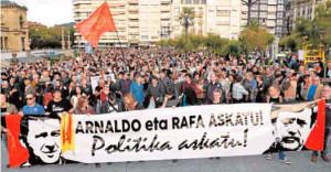 Marcha que se ha celebrado en San Sebastián para pedir la excarcelación de Arnaldo Otegi, líder de la izquierda abertzale