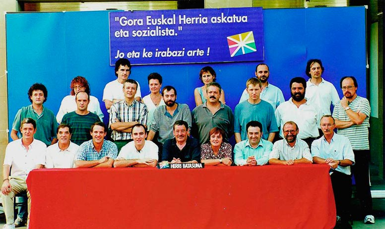 22 miembros de la Mesa Nacional de Batasuna contra los que se dirige la querella.